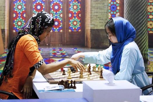 Kvinde VM_omkamp_SEMIfinale_Dronavali_tv_taber_Armageddon_til_Zhongyi_Foto_David_Landa