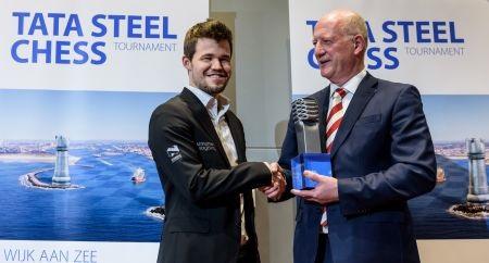 Carlsen vandt_Wijk_aan_Zee_i_16_for_5._gang